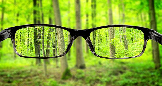 چگونه عینک، دید را اصلاح می کند؟