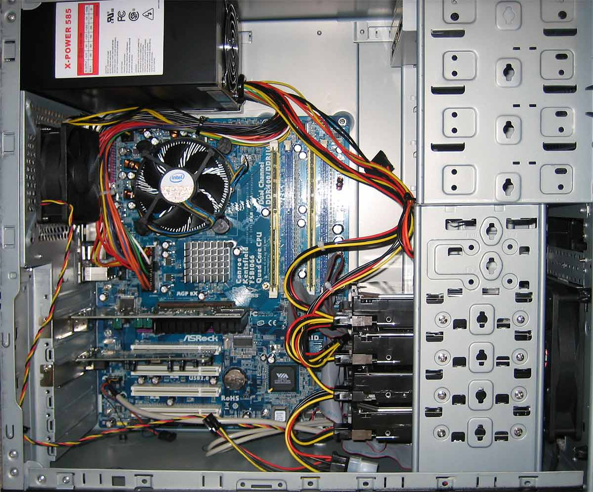 آشنایی با اجزای سخت افزار کامپیوتر و مونتاژ آنها