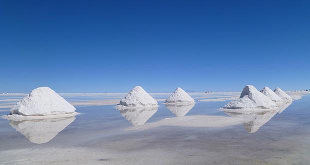 چرا آب دریا شور است؟