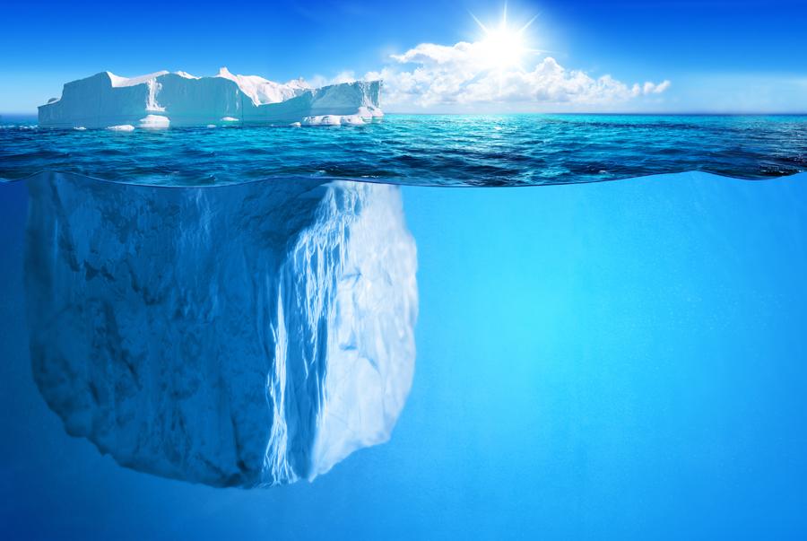 فقط یک دهم یخ بالاتر از سطح آب قرار می گیرد
