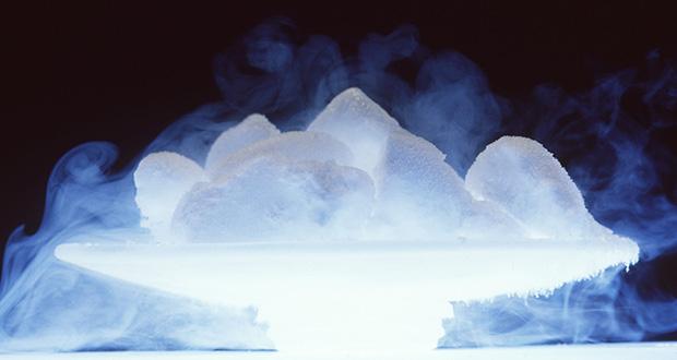 یخ خشک چیست؟