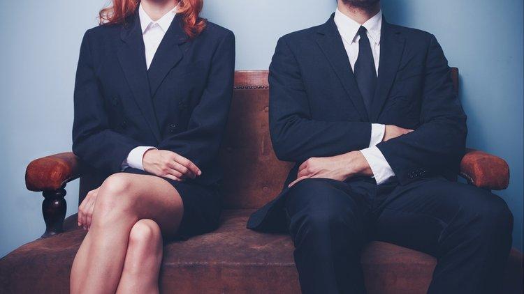 از طرز نشستن به شخصیت افراد پی ببرید