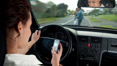 خواندن و تایپ پیامک در رانندگی مانند رانندگی با چشم های بسته است