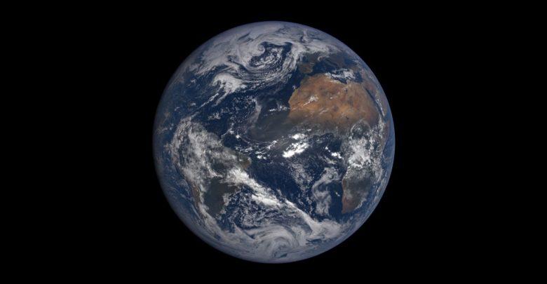 مساحت آب ها و خشکی ها زمین چقدر است؟