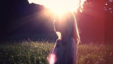 آیا ارتباطی بین قرار گرفتن در معرض نور خورشید و وسواس وجود دارد؟